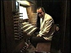 Widor Toccata from Organ Symphony No. 5 - Thomas Heywood    This should just not be possible.