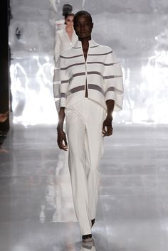 See the complete Ralph Rucci Spring 2013 Ready-to-Wear collection.
