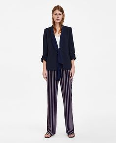 BLAZER WITH CONTRASTING SCARF Zara Outfit, Autumn Fashion 2018, Things To Buy, Stuff To Buy, Zara Women, Blazers For Women, Looking For Women, Contrast, Suit Jacket
