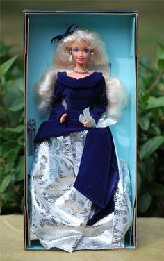Avon Special Edition First Series 1995 Winter Velvet Barbie Doll 15571 NIB Play Barbie, Barbie I, Barbie World, Barbie Dress, Barbie Clothes, Christmas Time Is Here, Barbie Princess, Barbie Collector, Hello Dolly
