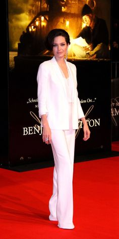 For the Berlin premiere of The Curious Case of Benjamin Button, Jolie chose all white with an easy jacket.