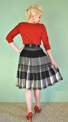 Plaid 1960s Skirt in Black and White - Very Mad Men & Pinup Style - High Waist Pleated Circle Skirt