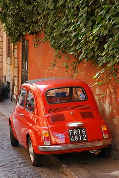 Fiat 500..this is the life I aspire to live. Italian or French villa, with my Fiat. I will get there.