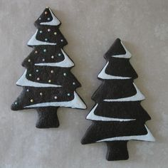 Christmas Trees - Chocolate Sugar Cookies By Emily Fager - beautifully decorated Christmas Tree Chocolates, Christmas Tree Cookies, Christmas Chocolate, Christmas Sweets, Christmas Cooking, Holiday Cookies, Christmas Goodies, Gingerbread Cookies, White Christmas
