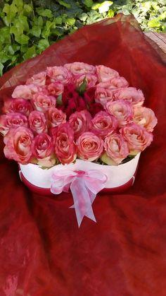 Rózsák dobozban