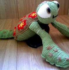Free Crochet Squirt sea turtle from Finding Nemo Pattern
