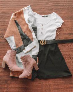 "Perfekte All Day Block Sweater Strickjacke Perfekte All Day Cardigan ""pinner"": {""username"": ""first_name"": ""Mode Trend"", ""domain_url"": ""modetrend.ml"", ""is_default_image"": false, ""image_medium_url"":. Teen Fashion Outfits, Look Fashion, Outfits For Teens, Winter Fashion, Womens Fashion, Christmas Fashion, Lolita Fashion, Ladies Fashion, High Fashion"