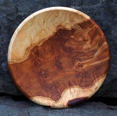 Teller aus Lindenmaserholz Woodturning Ideas, Turned Wood, Wood Molding, Wood Bowls, Wooden Art, Wood Lathe, Teller, Wood Turning, Kitchen Tools