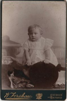 Cabinet photo Victorian Baby Dress Fashion - Forshaw of Oxford 1890s