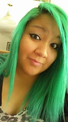 Super Green by Raw Demi-permanent hair dye (surprisingly I loved this hair color it was super bright and faded out pretty nicely, it didn't turn an icky green.)