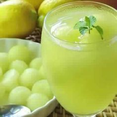 Melon and Ginger Mint Lemonade Healthy Foods To Eat, Healthy Recipes, Eating Healthy, Mint Lemonade, Winter Drinks, How To Squeeze Lemons, Turkish Recipes, Plant Based Recipes, Sweet Recipes