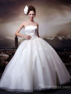 Wholesale Ball Gown Strapless Floor-length White Wedding Dresses