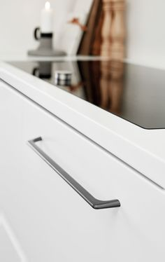 KRUS has a fabulous collection of handles to select from within our two showrooms to suit your new Kitchen, Laundry and Wardrobe. Featured is a Furnipart handle