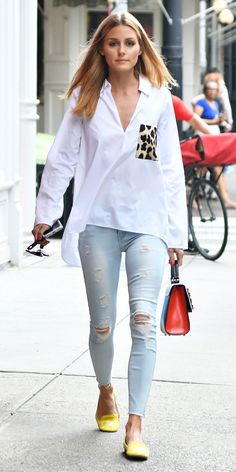 Olivia Palermo wears skinny jean outfits better than anyone. See our favorite looks she wore in (Zara Top Olivia Palermo Outfit, Look Olivia Palermo, Olivia Palermo Street Style, Estilo Olivia Palermo, Olivia Palermo Lookbook, Mode Outfits, Jean Outfits, Casual Outfits, Outfit Jeans