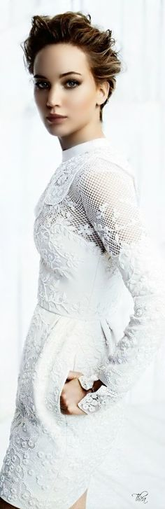 Jennifer Lawrence in Valentino ~ Tнεα