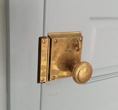 Lowe Hardware worked with Connecticut based architect, David Dumas, on entry door hardware for a local residence. Finished in polished brass, the hardware included an exterior rim lock and interior knob. Lowes Hardware, Entry Door Hardware, Kitchen Hardware, Baldwin Door Hardware, Interior Design Games, Design Blogs, Design Design, Design Ideas, Hardware Jewelry