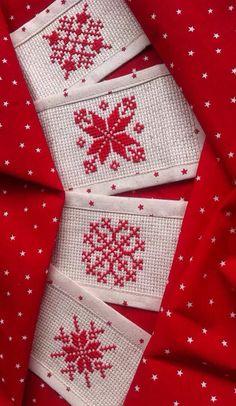 Christmas napkins rings Cross stitch