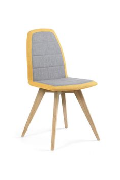 MOOD#12 PB01 BI by Mobitec. Bicolor design chair with wooden feet. Customize it on our website to match your interior!