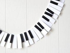 Piano Garland / 88 Key Mini / Music Garland / Recital Garland / Mini Music Bunting / Keyboard Bunting / Photo Prop by ElisabethNicole on Etsy