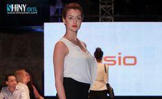 Le Magazine Shinymen vous présente la vidéo dudéfilé de mode des marques industrielles (Sasio)lors de la1èrejournée de laFashion Week Tunis 2016,qui s'est déroulée le Mercredi25 Mai, à l'enceinte du mythique amphithéâtre de Carthage, Tunis. Fashion Week Tunis 2016 – En Vidéo, Défilé de mode des marques industrielles (Sasio) http://shinymen.com/wp-content/uploads/2016/05/shinymen-Fashion-Week-Tunis-2016-Sasio.flv