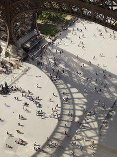 cyrilleweinerjournal: Tour Eiffel first floor, photo Cyrille Weiner portfolio in AA l'Architecture d'Aujourdhui