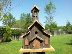 Woodworking Projects That Sell Carpentry Projects, Woodworking Projects That Sell, Birdhouse Designs, Unique Birdhouses, Bird House Feeder, Bird Feeders, Woodworking Jig Plans, Bird House Plans, Beach Canopy