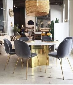 67 Ideas home decored living room blue layout Dark Blue Dining Room, Dining Room Colors, Dining Room Design, Beetle Chair, Living Room Decor, Living Spaces, Beautiful Dining Rooms, Dining Chairs, Sweet Home