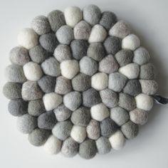 KARIANNE gryteunderlag - moleKULE mix topp kvalitet