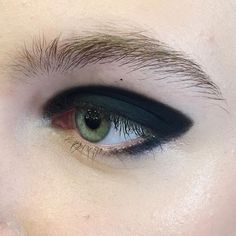 When an eyeshadow meets an eyeliner and together they are hugging the eye. It's a perfect fit! #mactrends #awtrends16 #maccosmetics #eyeliner #eyeshadow #eyes #blackblack #carbon #chromaline #sharp #makeuplover #beauty #makeuptrends #nomascara #naturalbrow #trendspresentation