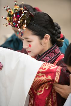 Queen for Seven Days (Hangul: 왕비; 7 Day Queen) is a South Korean television series starring Park Min-young as the titular Queen Dangyeong of Joseon, with Yeon Woo-jin and Lee Dong-gun. It airs on 신채경 역 박민영 Korean Traditional Clothes, Traditional Outfits, Traditional Wedding, Korean Hanbok, Korean Dress, Japanese Outfits, Korean Outfits, Korean Women, Korean Girl