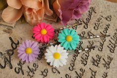 Beautiful Resin Easter Daisy 13mm Flower Hair by tranquilityy, $5.25