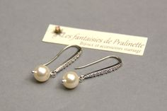 Boules d'oreilles mariage perles et strass. Bridal pearls and rhinestones earrings.