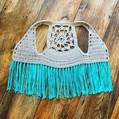 ( ・・・ 💐 made by . 💎 For the pattern check . Boho Crochet Patterns, Hippie Crochet, Crochet Girls, Crochet Woman, Crochet Baby, Crochet Top, Toddler Vest, Toddler Outfits, Short Infantil
