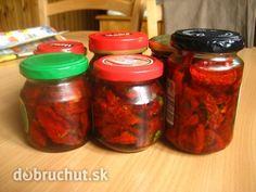 Fotorecept:+Sušené+paradajky+v+olivovom+oleji Salsa, Mason Jars, Food And Drink, Canning, Drinks, Recipes, Welding, Garden, Drinking