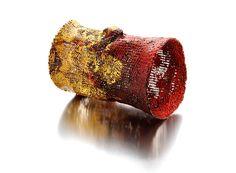 Lucia Massei Bracelet: Rosso Cionsapevole, 2013 Copper, pigments, mixed media, fine gold. 13 x 9 cm - - Les Confluences. Ramón Casas and Contemporary Jewellery Exhibition / Joya 2016 / 22 Sept -16 Oct 2016