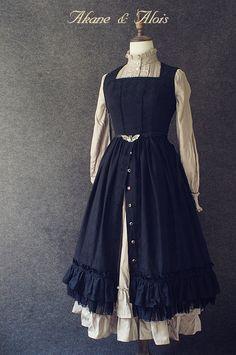 A Gothic Lolita's Memoir — Akane & Alois Dawn Star. Old Fashion Dresses, Fashion Outfits, Cute Fashion, Girl Fashion, Fashion Design, Victorian Fashion, Vintage Fashion, Vintage Dresses, Vintage Outfits