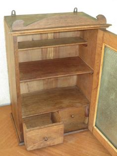 ancienne petite armoire en bois de type pharmacie a accrocher french antique
