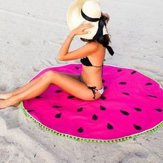 Step by Step easy tutorial to make your own DIY watermelon round towel! Get beach ready with the easy sewing project for a round towel! Sewing Projects For Beginners, Sewing Tutorials, Diy Projects, Diy Hanging Shelves, Diy Wall Shelves, Diy Inspiration, Diy Couture, Creation Couture, Free Sewing