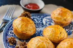 Australian Pie, What To Cook, Apple Pie, Love Food, Spicy, Bakery, Yummy Food, Lunch, Dinner