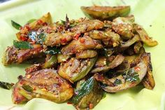 This has become one of my favorite recipe of all kinds of brinjal recipes in this blog. You know i have quite a few brinjal recipes in this blog and this one has taken its special place. It has a special masala which is added to it which makes it so yummy. This roast pairs...Read More