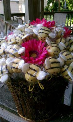 Bee Cake Pops Bouquet