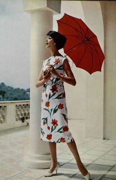 Simone in an elegantly slim summer dress of tulip printed satin-cotton by Lanvin-Castillo, shoes by Charles Jourdan, L'Officiel So lovely. Moda Retro, Moda Vintage, Vintage Mode, 1950s Fashion Photography, Glamour Photography, Vintage Dresses, Vintage Outfits, Vintage Couture, Vintage Glamour