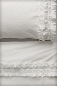These are the most beautiful sheets I've ever seen for a little girl! I love them! I love white sheets! Belle Lingerie, Ruffle Pillow, Ruffle Bedding, Bohemian Bedding, Linens And Lace, White Linens, White Sheets, Big Girl Rooms, Diy Bed