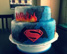 Batman v Superman cake/gâteau - Fondant - costume textures, flames and logo!