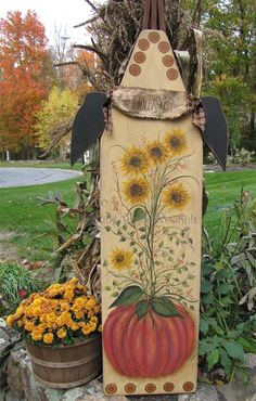 -love-love-love this sweet sunflowers and pumpkin design on a vintage wooden ironing board . Halloween Wood Crafts, Fall Crafts, Fall Halloween, Acorn Crafts, Painted Ironing Board, Vintage Ironing Boards, Primitive Fall, Primitive Crafts, Primitive Signs