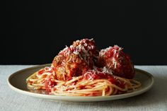Meatballs Rao's Meatballs recipe: Meatballs made easier.Rao's Meatballs recipe: Meatballs made easier. Meatball Recipes, Beef Recipes, Cooking Recipes, Meatball Meals, Meatball Soup, Cooking Tips, Italian Dishes, Italian Recipes, Risotto