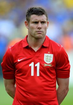 James Milner Photos - James Milner of England lines up for the national anthem during the International Friendly match between England and Brazil at Maracana on June 2013 in Rio de Janeiro, Brazil. - Brazil v England - International Friendly Liverpool Football Club, Liverpool Fc, James Milner, England International, European Football, Polo Ralph Lauren, Sporty, Yorkshire Tea, Mens Tops