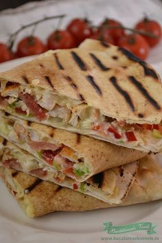 Quesadilla cu Pui si Cascaval.Cum pregatim Quesadilla cu Pui si Cascaval.Reteta delaco.Reteta Quesadilla cu Pui si Cascaval. Gustare rapida, gustare calda. Lunch Box Recipes, Baby Food Recipes, Breakfast Recipes, Cooking Recipes, Healthy Recipes, Good Food, Yummy Food, Tasty, Crepes