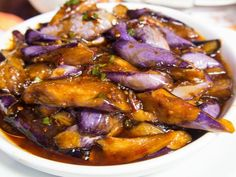 This Sichuan side dish recipe is made with Chinese eggplant, ground pork, and a savory sauce made with light and dark soy sauces, vinegar, and wine. Eggplant With Garlic Sauce, Garlic Sauce For Chicken, Szechuan Eggplant Recipe, Eggplant Tofu Recipe, Chinese Eggplant Recipes, Chinese Recipes, Eggplant Dishes, Filipino Recipes, Salads