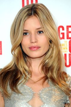 The 10 best haircuts for fall:hair color Latest Hairstyles, Hairstyles Haircuts, Pretty Hairstyles, Hairstyle Ideas, Fringe Hairstyle, Short Hairstyle, Fall Hair Cuts, Head Band, Celebrity Haircuts